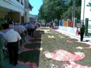 Calles engalanadas para la procesión del Corpus. Fuente: propia.