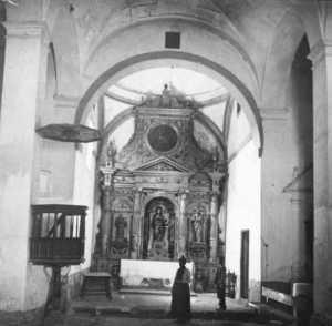 Interior de la antigua iglesia de Santa Ana. Fuente: colección Cerdá y Rico.