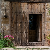 Puerta de entrada al estudio. Foto de Ramón Rivera.