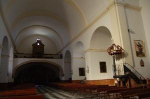 Nave central, púlpito y coro alto. Fuente: propia.