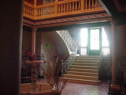 Patio y escalera