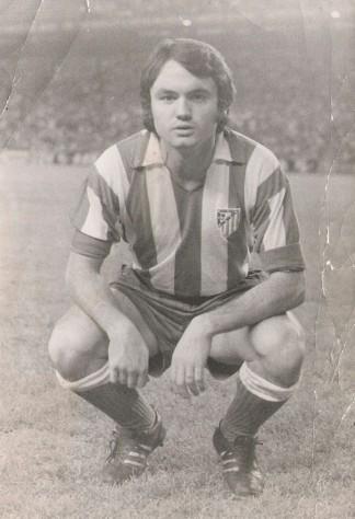 Antonio Raya Pugnaire. Debut con el Atlético Madrid, 1971, estadio Vicente Calderón. Fuente: Juan A. Díaz en Revista Contraluz.